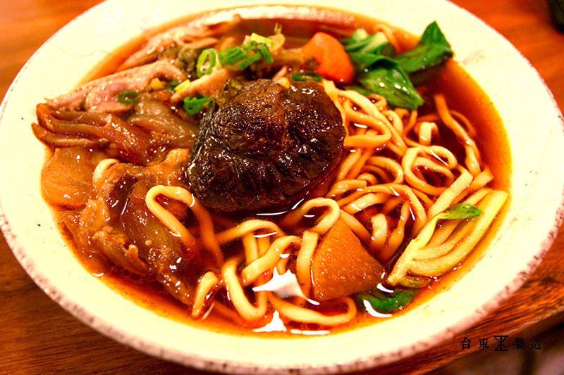 台東市區美食東鼎牛肉麵 (16)