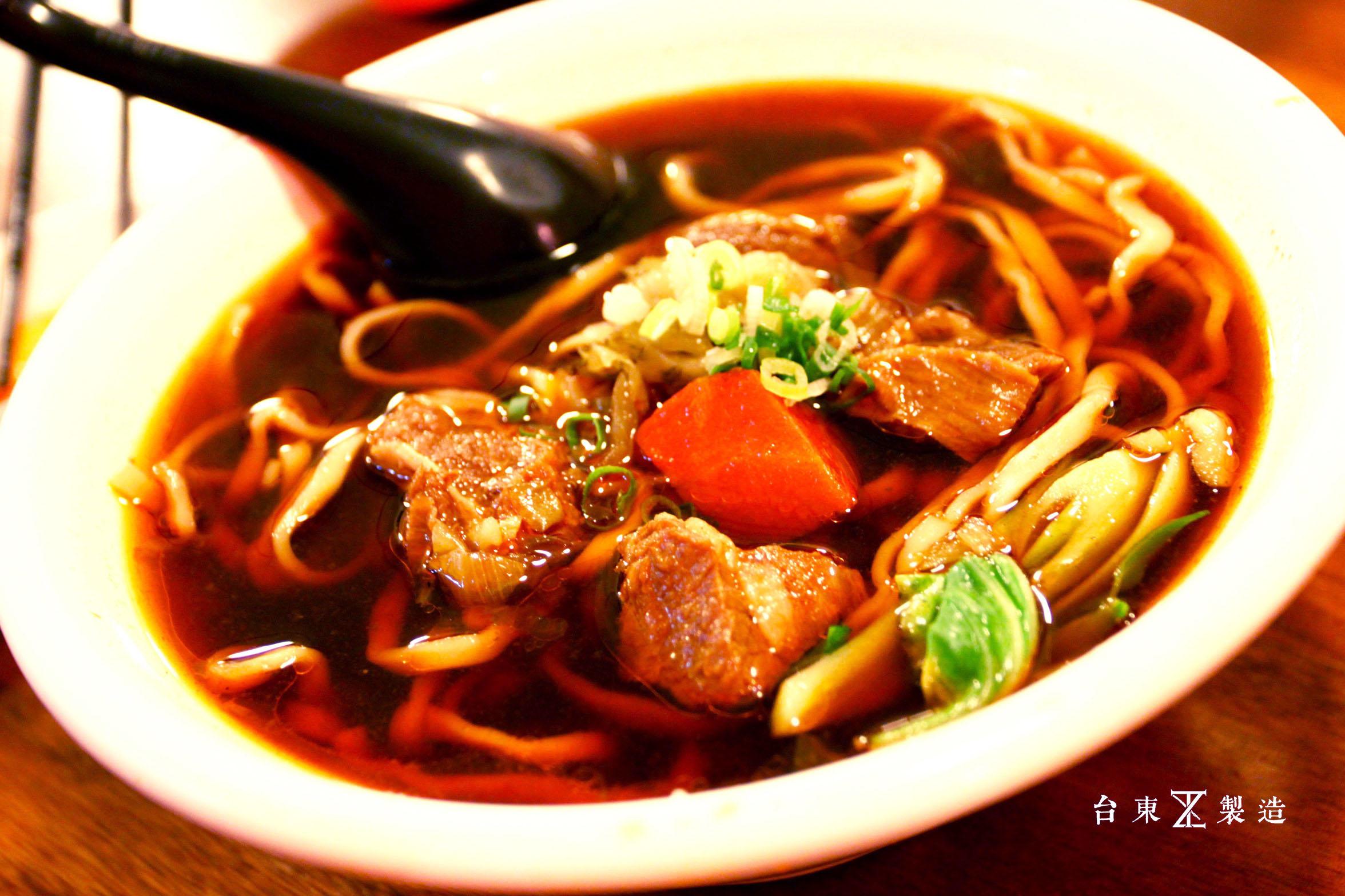 台東市區美食東鼎牛肉麵 (9)